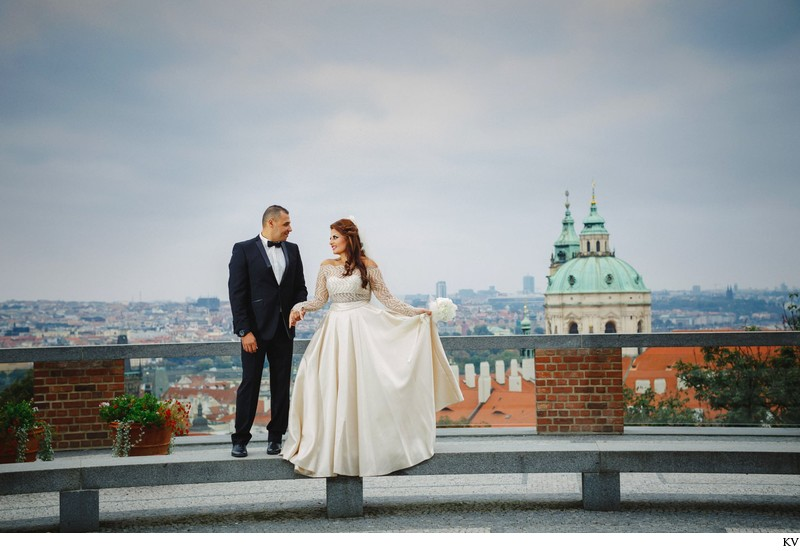 Prague destination wedding at the Troja Chateau 58