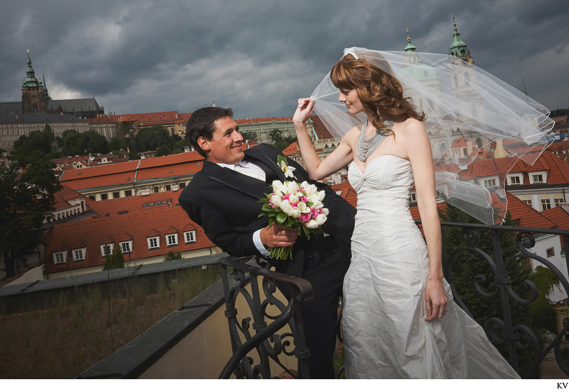 CM (USA) very sexy wedding photos Vrtba Garden Prague