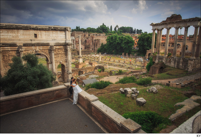 The Roman Forum pre wedding engagement portrait Italy