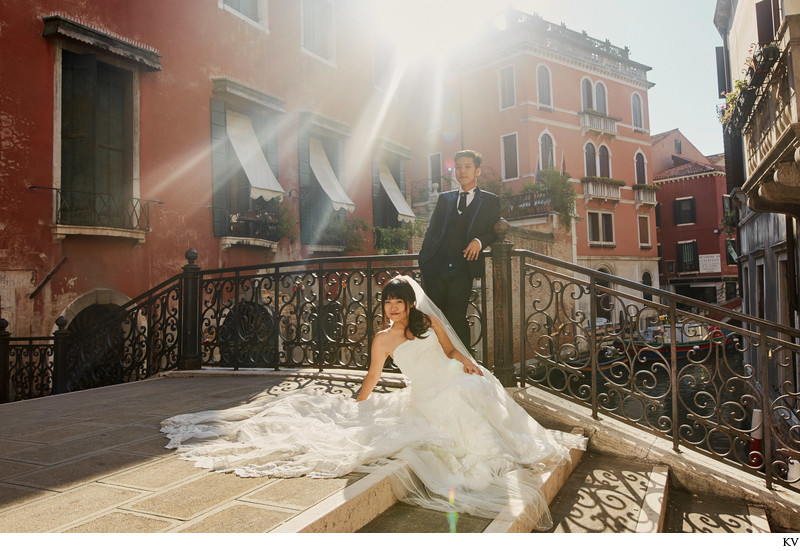 kissed by the sun - Venice / Venezia pre-wedding photo