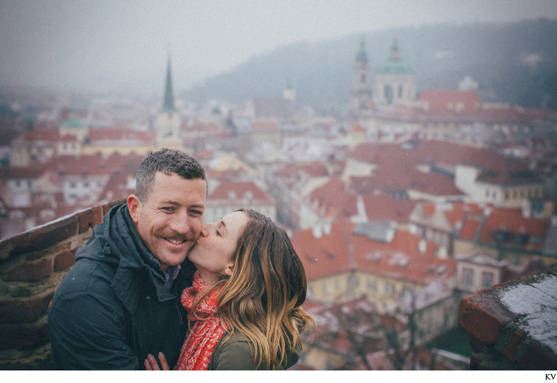 A kiss for the newly engaged high above Mala Strana