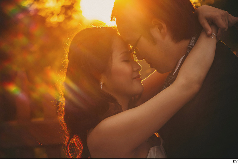 Authentic Golden Hour moment S+K Prague pre-wedding