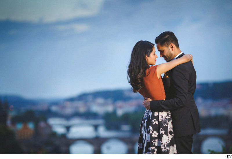 romantic Prague marriage proposal couple embrace