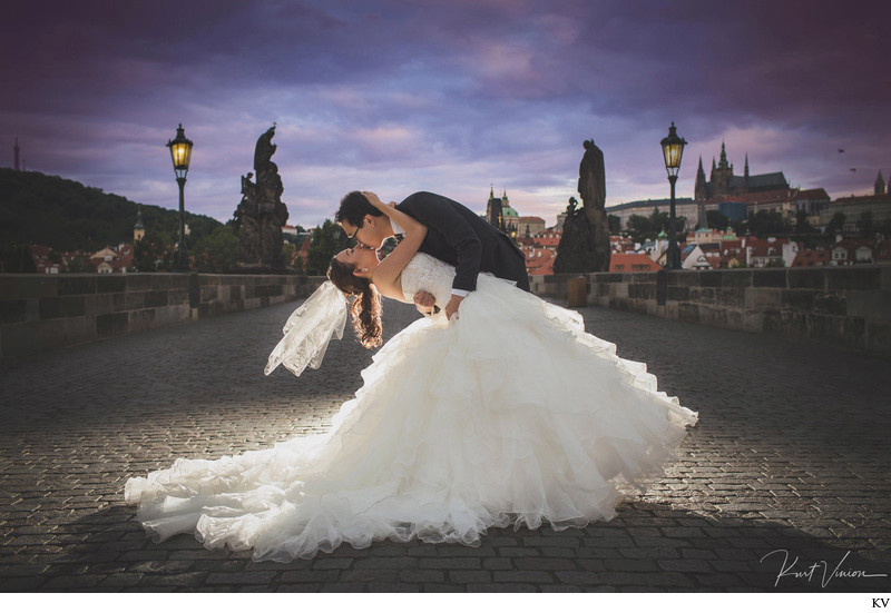 magical kiss on the Charles Bridge - Prague pre wedding