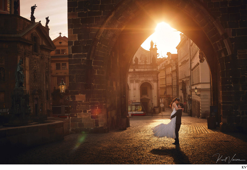 Love under the Powder Tower - Prague pre wedding