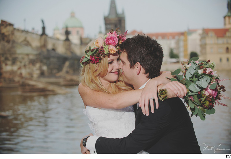 Michelle & Dan destination wedding photo Prague