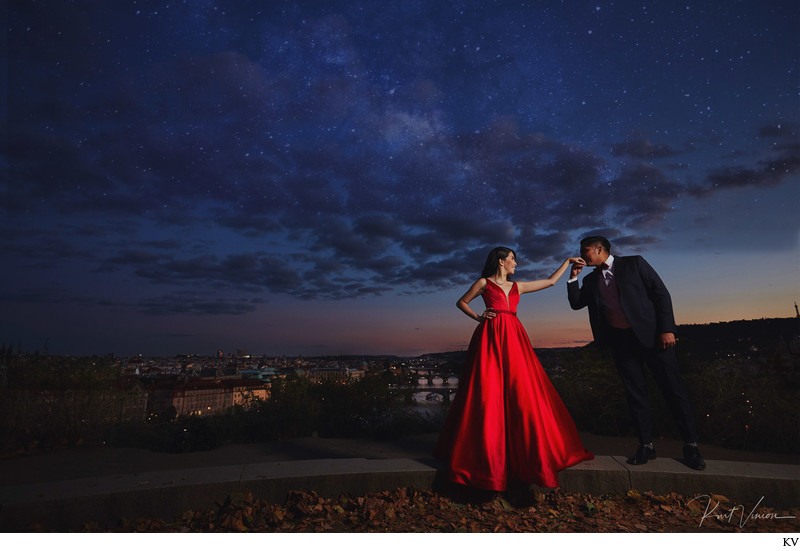 bride2b in red kissed under the stars Prague pre-wedding
