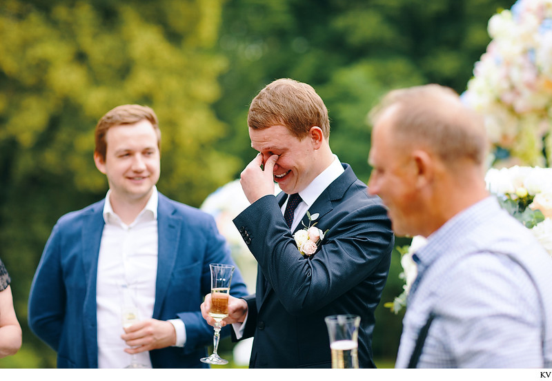 Hluboka nad Vltavou Castle wedding grooms reactions