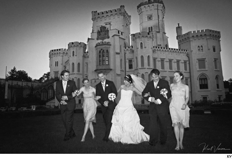 Tara & Jan and the wedding party Castle Hluboka B&W