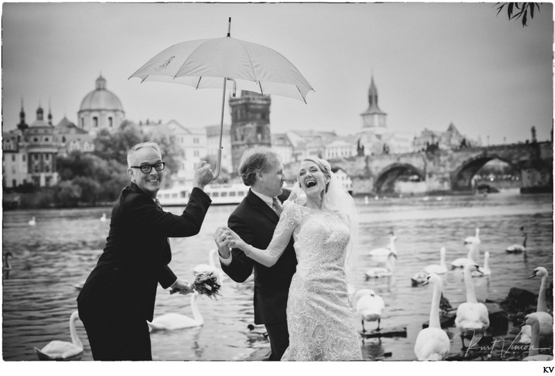 K+S wonderful, funny, heartfelt Prague wedding