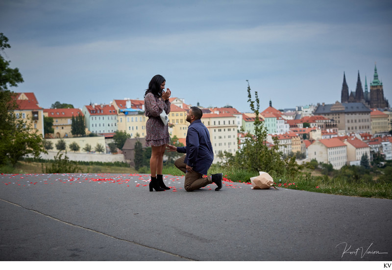 will you marry me I Secret Marriage proposal Prague