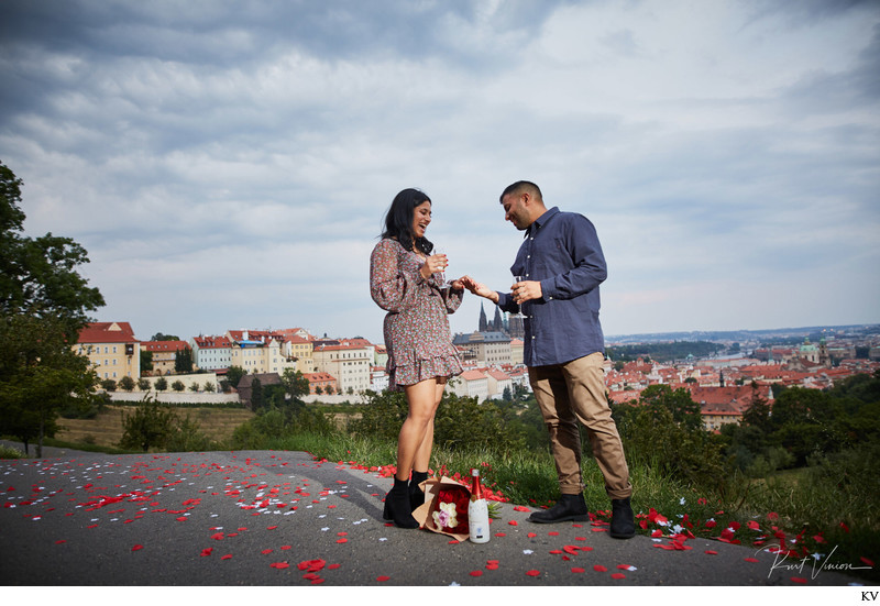 Champagne, flowers, rose petals I Prague engagements
