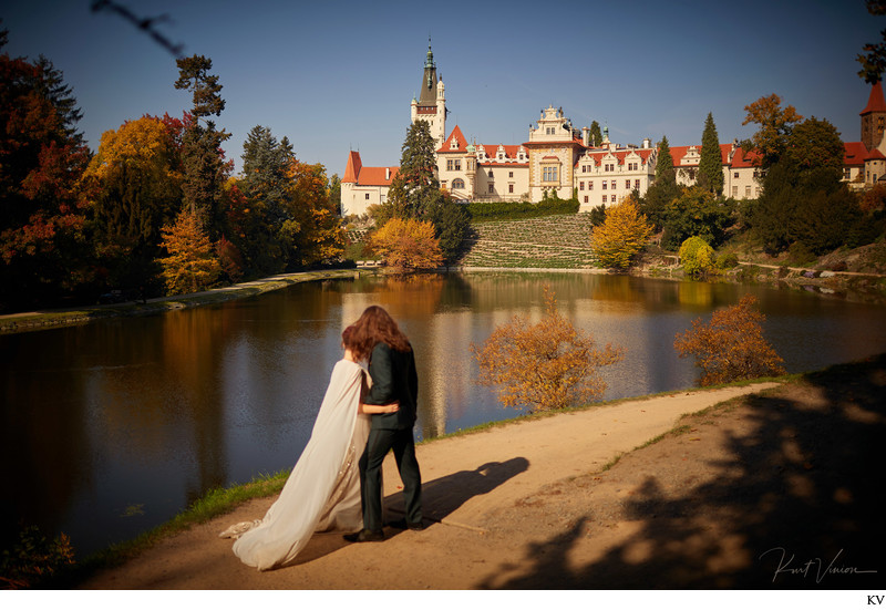Gorgeous couple Berta & Tux Pruhonice Castle