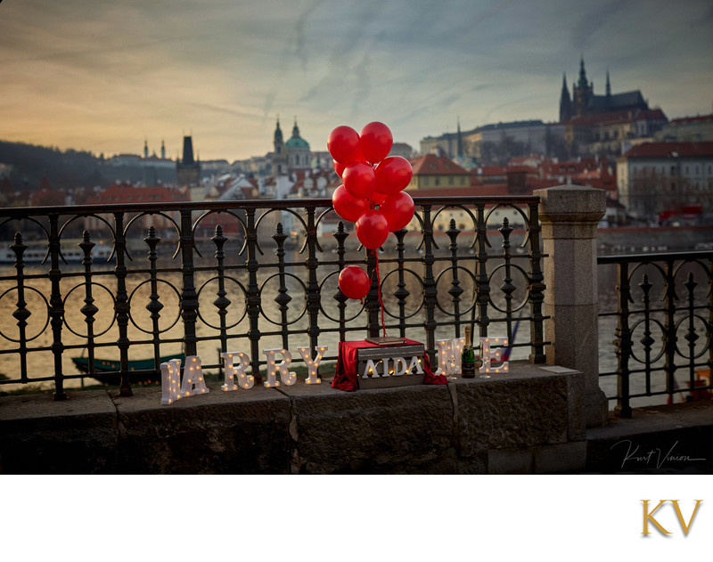 Prague marriage proposal idea riverside Marry Me lights