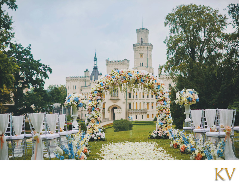 Castle Hluboka nad Vltavou outdoor wedding setup