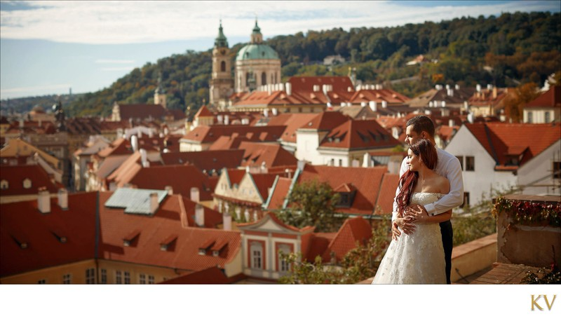Turkish bride & groom enjoying view above Prague