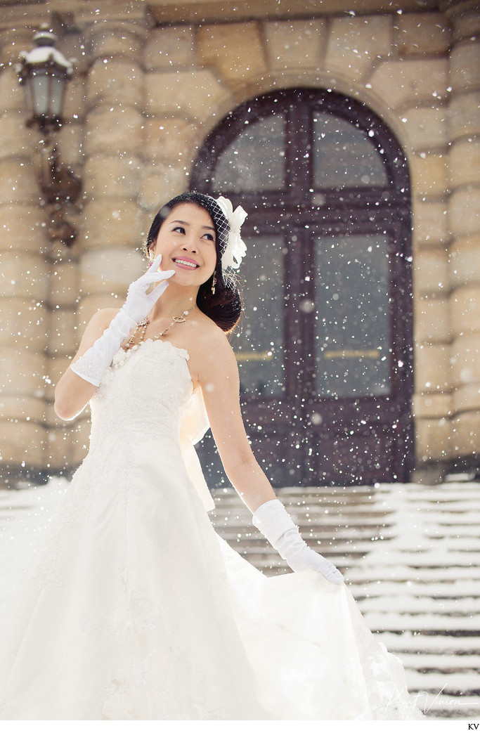 Helen bridal portrait photo snow Prague Rudolfinum