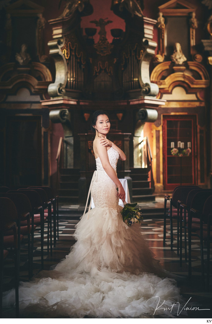 timeless elegant bridal portraits Mirror Chapel Prague