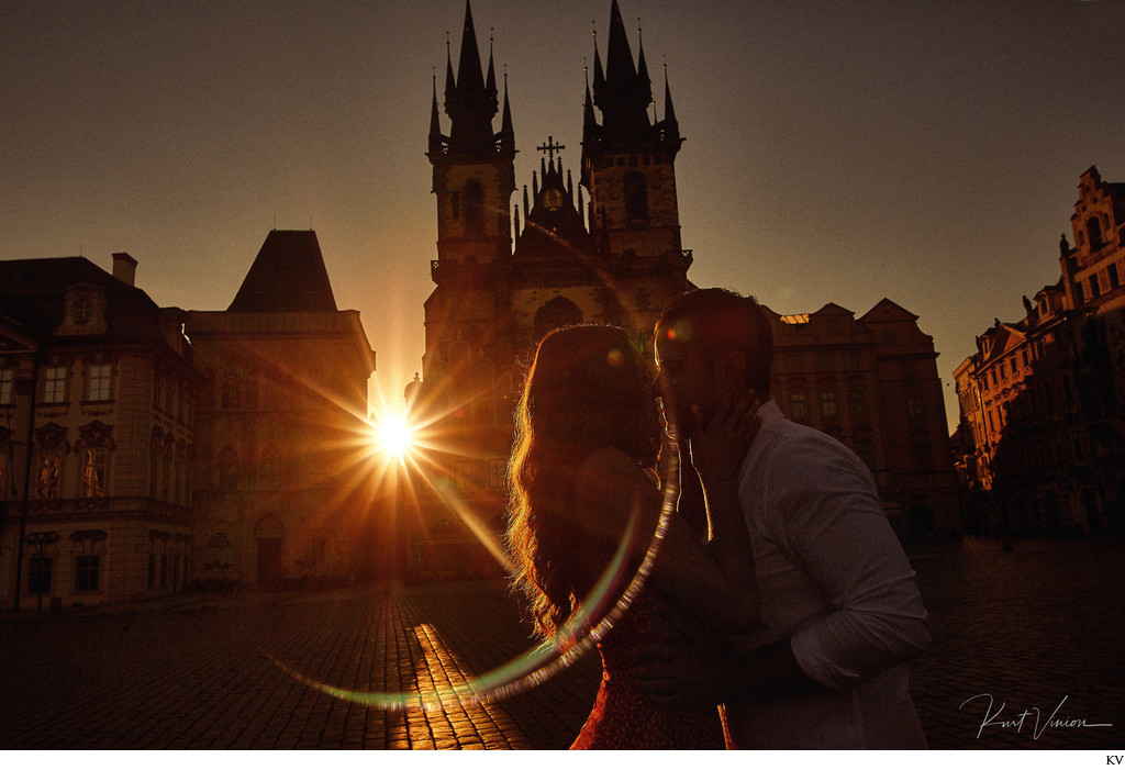 Artistic & Creative Engagement Photos Prague sunrise