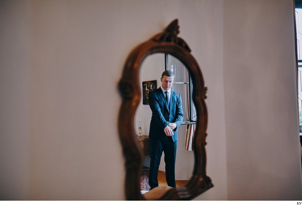 Hluboka nad Vltavou Castle wedding groom & mirror