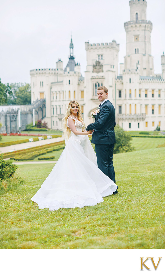 Hluboka nad Vltavou Castle wedding gorgeous couple