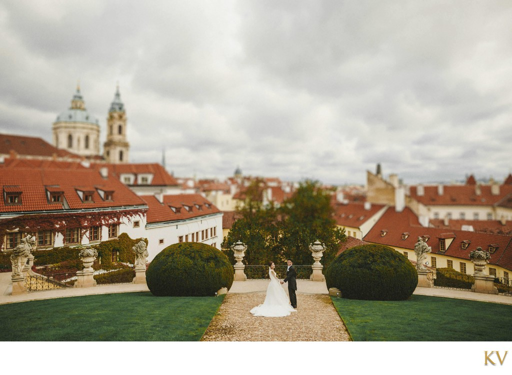 dreamy wedding photos from the Vrtba garden in Prague