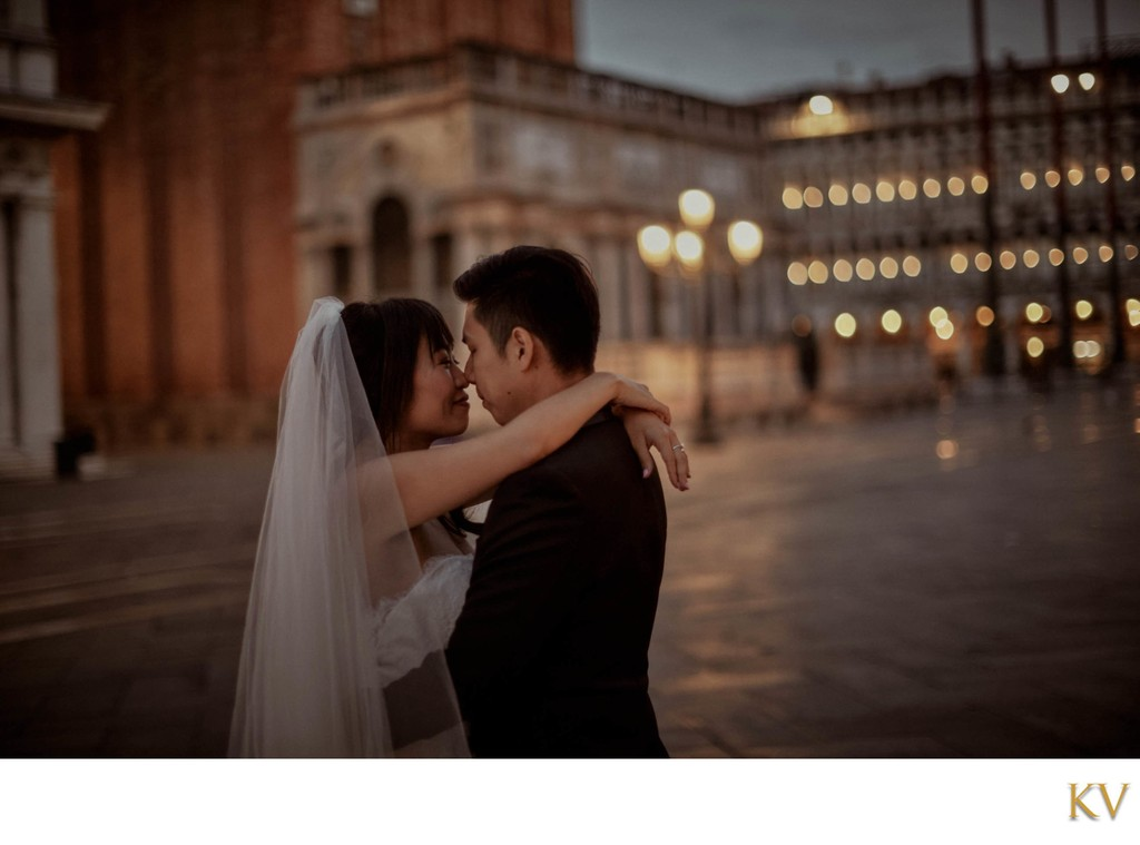 atmospheric & romantic Venice wedding photos