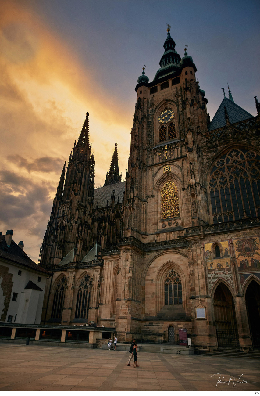 marriage proposal in Prague: walking under St. Vitus