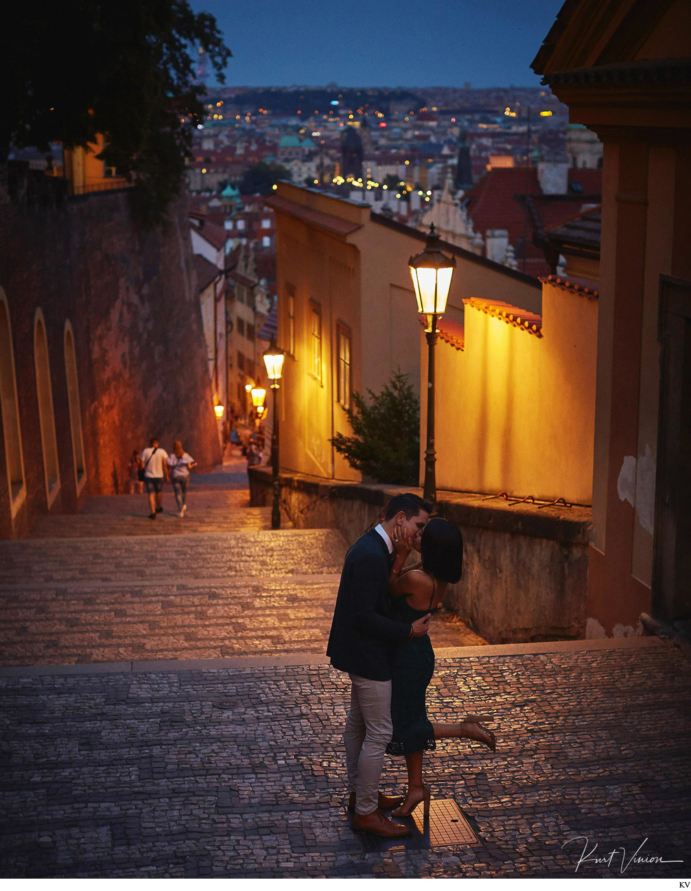 Prague marriage proposal: kiss under the gas lamps