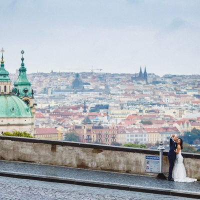 destination pre wedding photos at Prague Castle