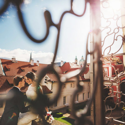 The lovers at Ledeburska - Prague wedding photography
