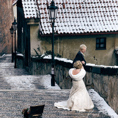 Bride hits Groom with snowball to face Prague