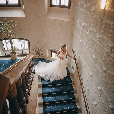 Hluboka nad Vltavou Castle wedding  bride staircase