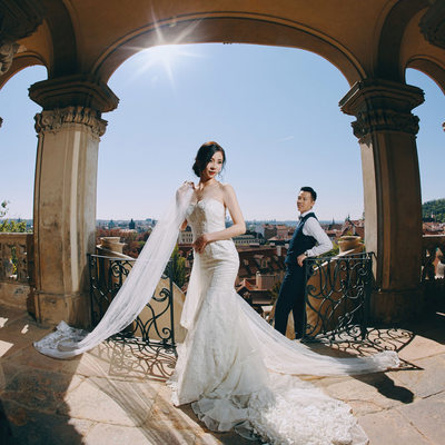 Timeless elegant pre wedding portraits Prague Castle