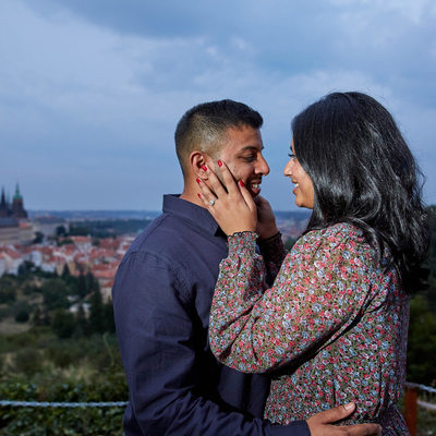 H&R I the newly engaged I overlooking Prague