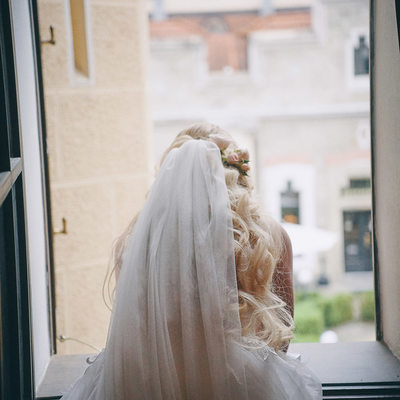 Hluboka nad Vltavou Castle wedding bride window