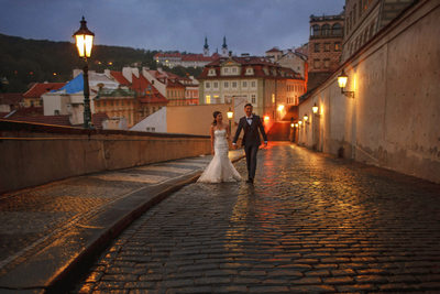 destination pre wedding photography Prague with R&F