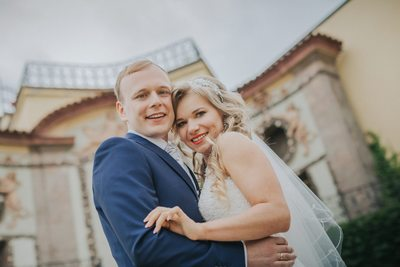 The happiest newlyweds at the Vrtba Garden in Prague