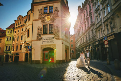 natural style sun-lit pre-wedding photos Prague