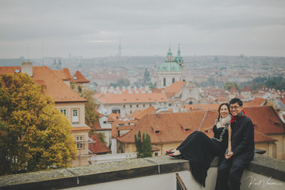 The happy Mom & Dad overlooking Mala Strana