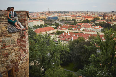 A romantic marriage proposal in Prague: Prague Castle