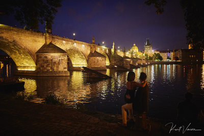 Prague marriage proposal: Charles Bridge