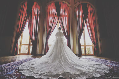 Chateau Esclimont bride posing in her wedding dress