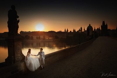 Prague Wedding Photographer Charles Bridge Sunrise