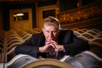 Portrait of opera star Sherril Milnes Estates Theatre