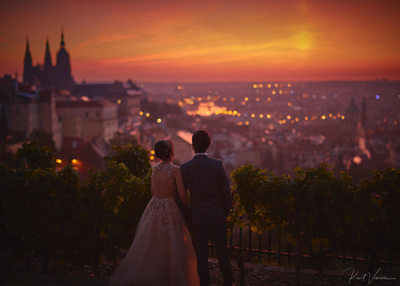 overlooking Prague sunrise pre wedding photo