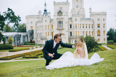 bride & groom Hluboka nad Vltavou Castle wedding