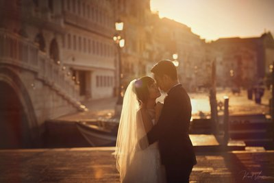 Venice bride & groom photographed at sunrise