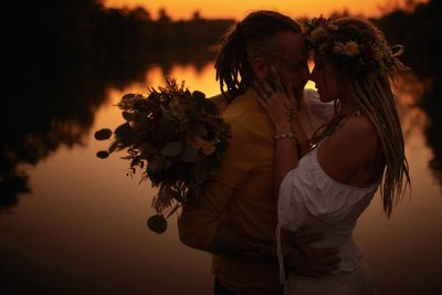 Boho styled love story at sunset