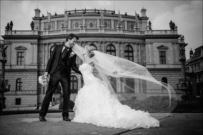 Sexy New Zealand bride & groom at Rudolfinum in Prague